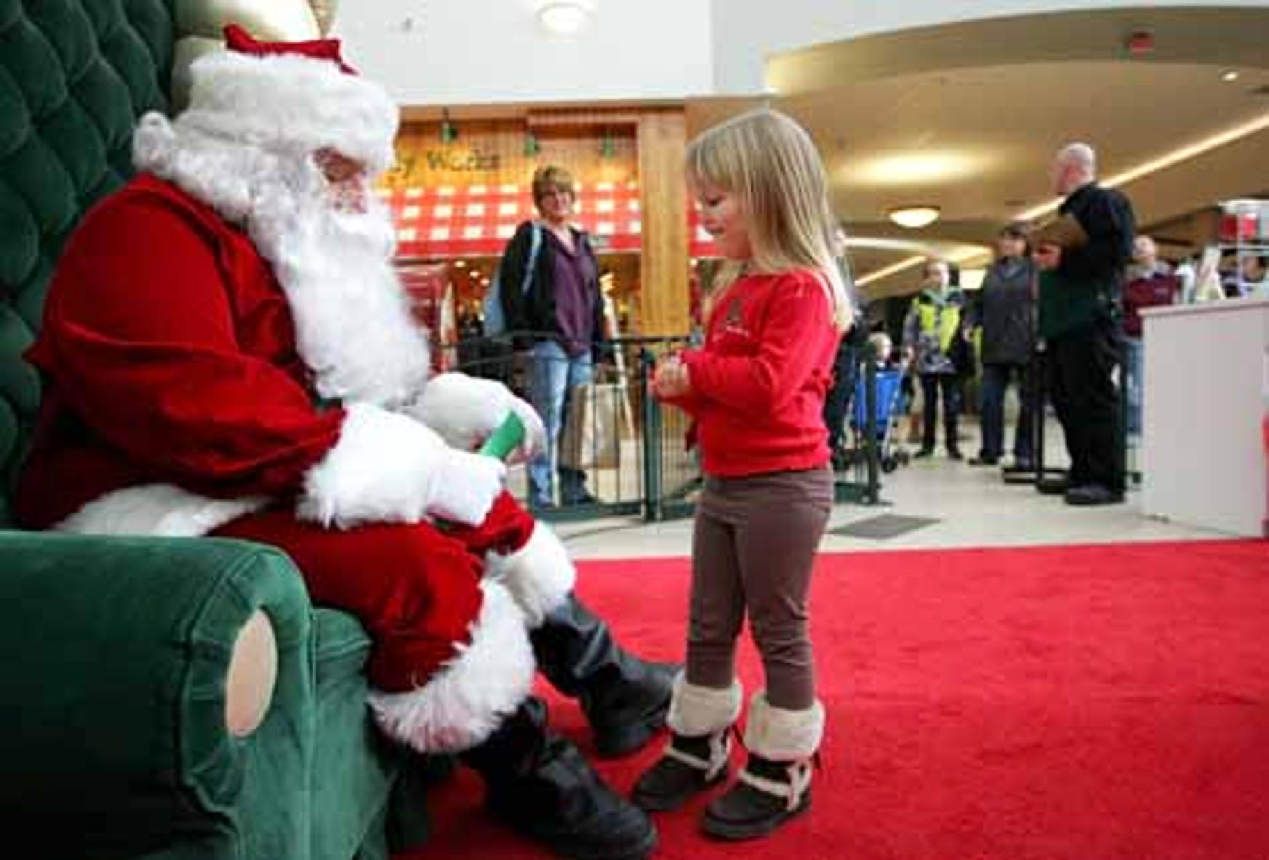 Santa claus at fashion square mall in charlottesville Datenrettung Top Downloads - CHIP