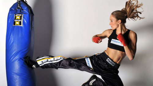 Kickbox-Queen Theiss wird TV-Star bei RTL!