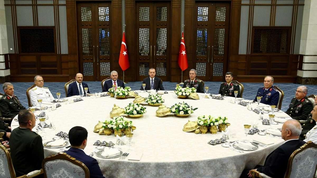 Türkische singles kennenlernen Gibt es hier türkische Singles? Bin eine türkische Singlefrau.