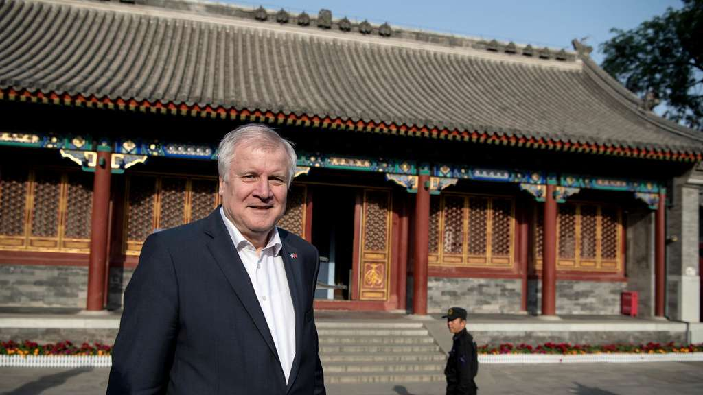 Bayerns Ministerpräsident Seehofer in China.