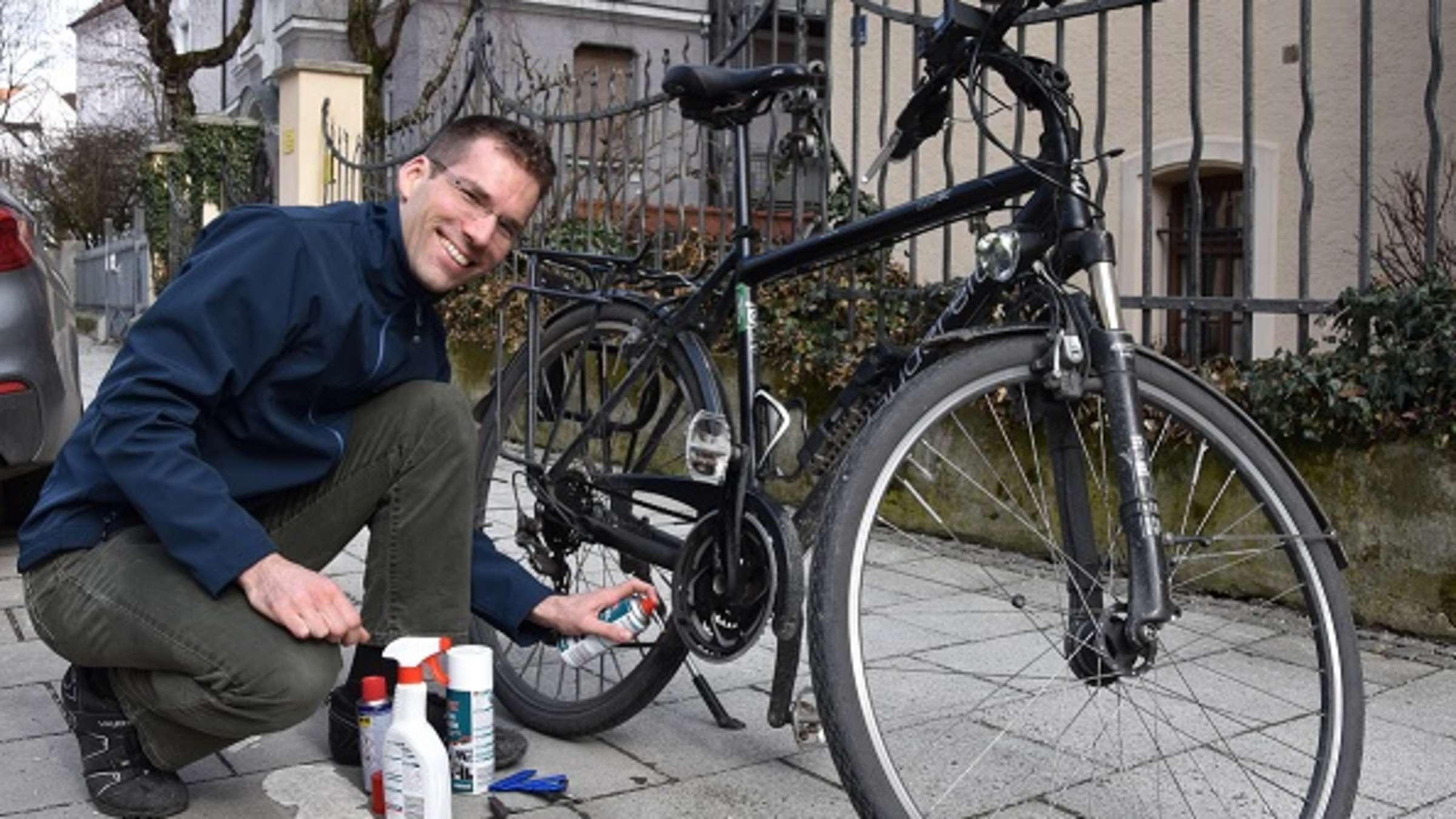 Andreas Groh Ein Helm Ist In Munchen Eine Kleine Lebensversicherung Interviews