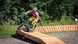 Top on Mountain baut großen Indoor-Bikepark mit Test-Parcours