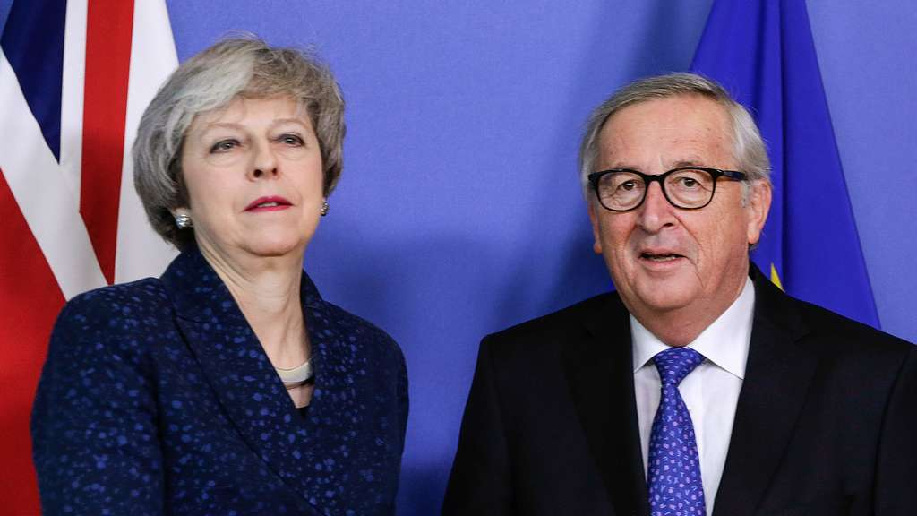 Theresa May und Jen-Claude Juncker.