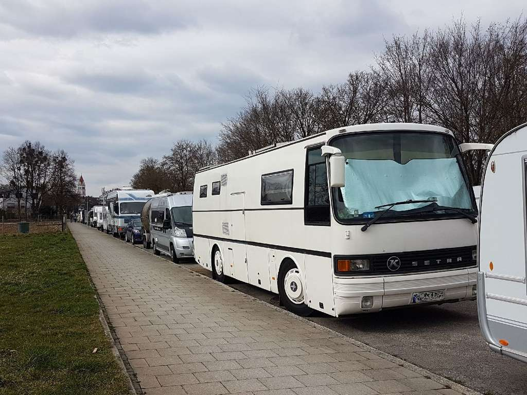 München/Pasing - Campingplatz? – Anwohner klagen über abgestellte