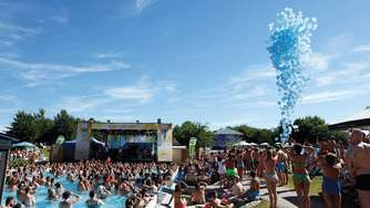 Sound of Summer: Hallo bringt Sie gratis zur Beachparty in die Therme Erding