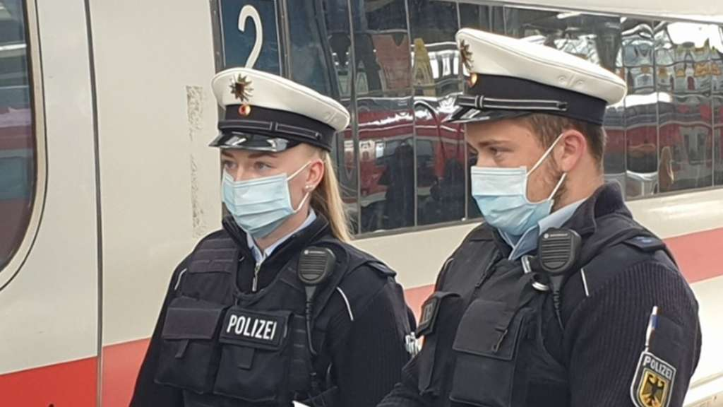 Köln Polizist Bahn